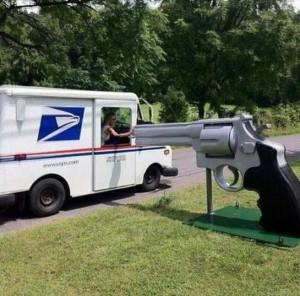 Guns_Texas_Mailbox