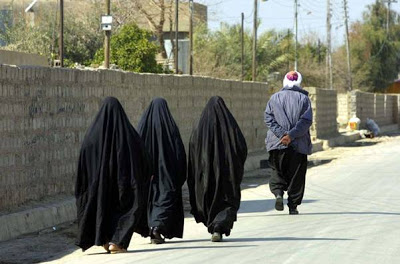 Islam_Burqa_3_Blind_Mice