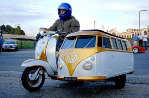 Bernie_Sanders_Leaving_Philadelphia_VW_Sidecar_New_Life