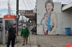 Hillary_DownUnder_Wall_Mural