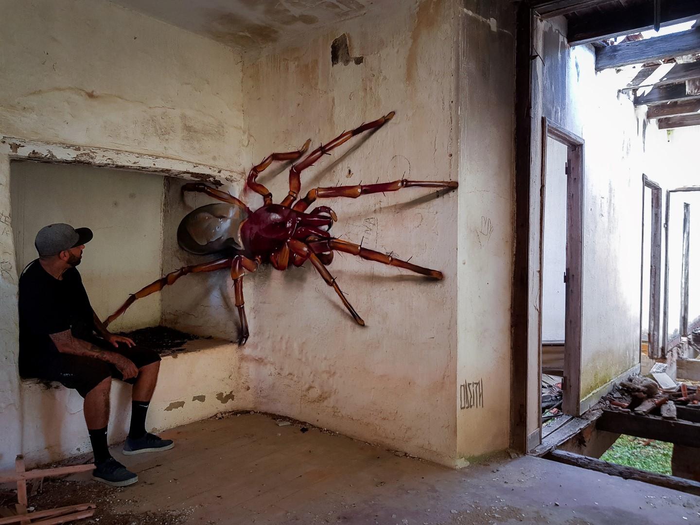 StreetArt_ODEITH_surprise-big-spider