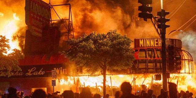 Minneapolis_Riots_01_640