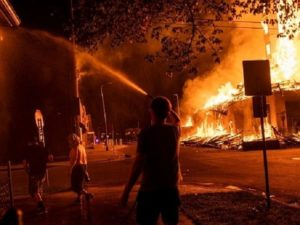 Minneapolis_Riots_03_640