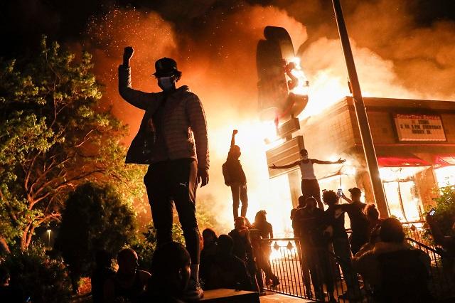 Minneapolis_Riots_04_640