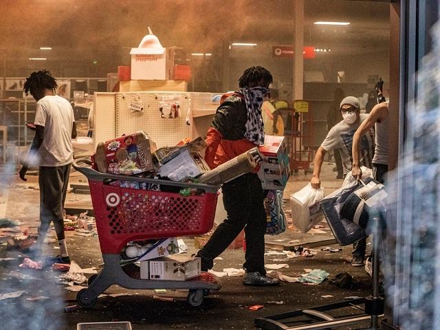 Minneapolis_Riots_09_640