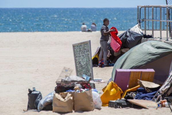 Venice-Beach-Homelessness_02