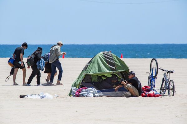 Venice-Beach-Homelessness_03